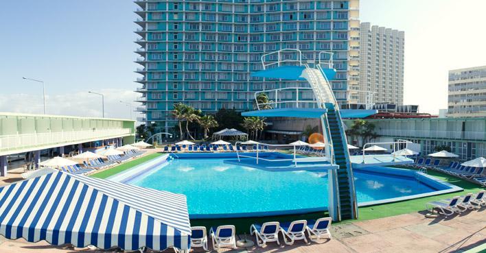 piscina hotel rviera